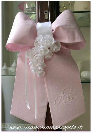 Fiocco di nascita rosa con rose