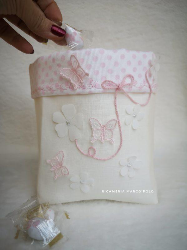 Fiocco rosa, fiori e farfalle