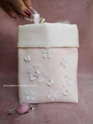 Portaconfetti fiori e farfalle in lino rosa cipria