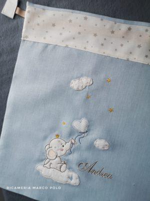 Elefantino su nuvola e palloncino in lino azzurro