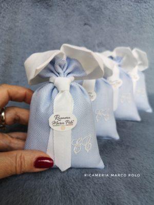 Camicino spigato con iniziali e cravattino bianci