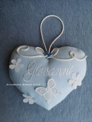 Cuore per culletta lino azzurro, dettagli panna