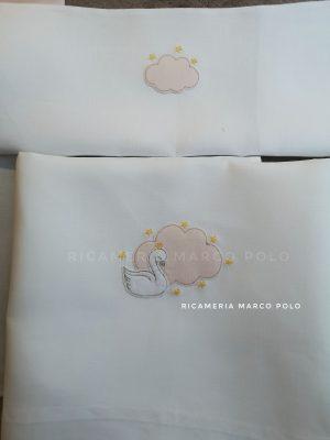Lenzuolino cigno con nuvola rosa e stelline