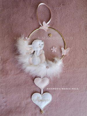 Coniglietto e cerchio dorato